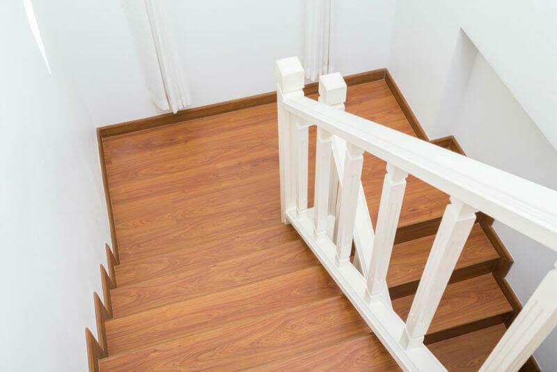نظافت راه پله ها