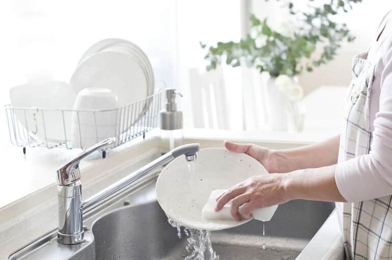 [تصویر:  Wash-Dishes.jpg]